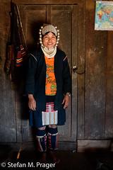 724-Mya-KENGTUNG-179.jpg (stefan m. prager) Tags: trekking tracht asien myanmar kengtung silber portrait akha akhastamm akhatribe cheingtung chiangtung kengtong kyaingtong shan myanmarbirma mm