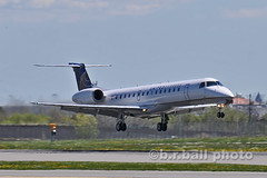 BRB_3128cesn c (b.r.ball) Tags: brball yyz torontopearsoninternationalairport aviation malton planes aircraft n14920 embraer emb145lr unitedexpress ua4261