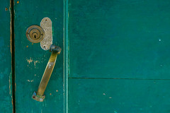 IMG_4925-6 (tiagosilva45) Tags: textura porta fechadura door green wood