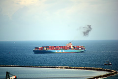 DSC_1394-61 (jjldickinson) Tags: nikond3300 106d3300 sanpedro losangeles sky cloud lookoutpointpark ocean water shippingcontainer container ship containership portoflosangeles harbor crane nikon55200mmf456gedifafsdxvrnikkor promaster52mmdigitalhdprotectionfilter