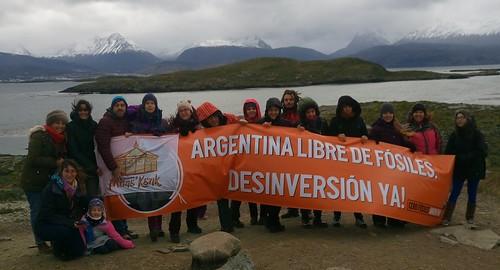 Ushuaia - May 14, 2017 - Cero Fósiles banner opened en la Isla