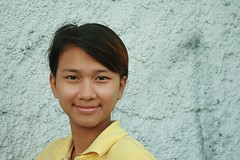 pretty young woman (the foreign photographer - ฝรั่งถ่) Tags: pretty young woman yellow shirt khlong thanon portraits bangkhen bangkok thailand canon kiss