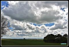 Orsfeld, Rheinland-Pfalz (Deutschland) (LOMO56) Tags: wetterbilder wetter wolkenbilder cumuluswolken stratocumuluswolken landschaften eifellandschaften südeifel eifel eifellandschaft