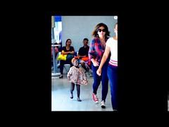 Giovanna Ewbank e a filha, Títi, embarcam estilosas em aeroporto do Rio. Fotos! (portalminas) Tags: giovanna ewbank e filha títi embarcam estilosas em aeroporto do rio fotos