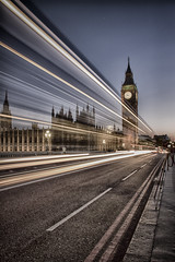 London (Sandra 25) Tags: london londres night nuit urbanlandscape paysageurbain route street light longexposure pauselongue city ville england angleterre bigben wow