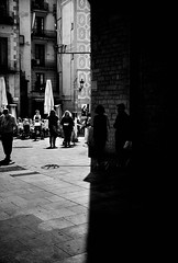 Dichotomy (elgunto) Tags: street barcelona people el born contrast blackwhite bw symmetry sonya7 pentax pancake 40mm 28