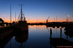 Varberg harbour at night (K. Haagestad) Tags: varberg sunset harbour sea sweden boat light evening