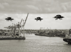 Extraordinary visit Hamburg harbor. (driver Photographer) Tags: 3d ufo