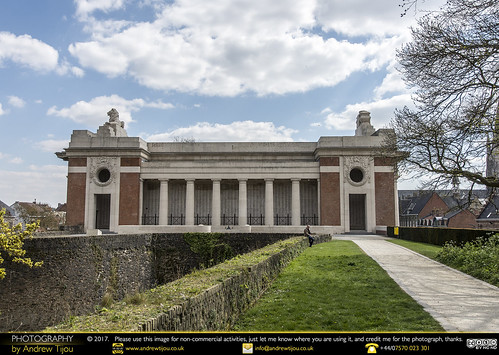 Menin Gate side view
