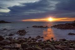 Sonnenaufgang / Sunrise (Claudia Bacher Photography) Tags: sonnenaufgang sunrise sonne sun wolken clouds steine stones meer sea wellen waves grancanaria sonya7r himmel heaven küste coast landschaft landscape natur nature outdoor