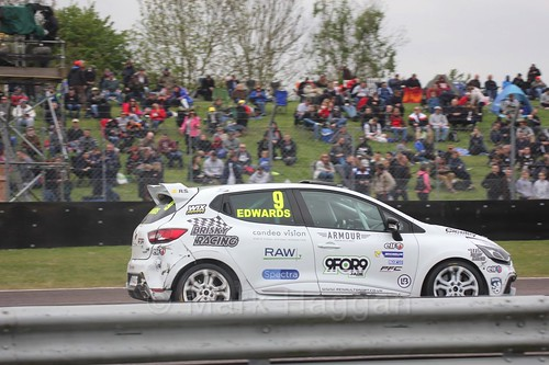 Jade Edwards racing in the Clio Cup at Thruxton, May 2017