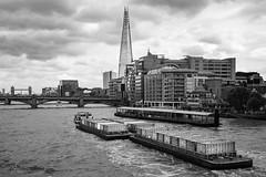 Londres. 2016. (Jose_Pérez) Tags: blancoynegro byn bn blackandwhite barco tamesis navegar torre puente boat sail tower bridge