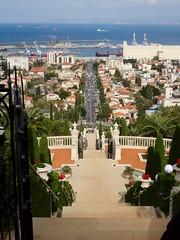 De terrassen van de Baha'i tuinen in Haifa
