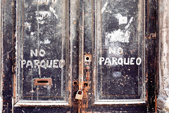 No Parqueo (emerge13) Tags: centrohabanacuba cuba decay habana havana havane simplistic walls doors textures architecturalheritage architecturedetails saariysqualitypictures