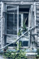 Window to the Past (The Suss-Man (Mike)) Tags: abandoned abandonedhouse barn barnhunt barnhunting georgiabarnhunters northeastgeorgia oglethorpecounty old ruralgeorgia sonyilca77m2 sussmanimaging thesussman window wood