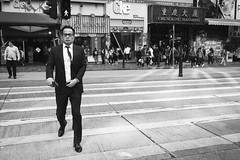 Serious business (modesrodriguez) Tags: asia china city ciudad hk hongkong street travel viaje chungking mansions streetphotography blackwhite people strangers