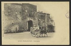 St-Paul-Trois-Châteaux. - Porte Jupiter (Médiathèques Valence Romans agglomération) Tags: saintpaultroischâteaux porte charrette