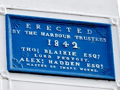 West Leading Light est 1842 Torry  Aberdeen Harbour Scotland (Dano-Photography) Tags: erect erection erected lordprovost oldtimer shoremaster victorian 1800s blue slate information notice blueplaque plaque masterofshoreworks museum ancient northeastsupplyvessels northeastsupplyships maritime history navigate navigation leadinglight westleadinglight aberdeenscotland torry aberdeenharbour dano 2017 aberdeen ecosse scotia escocia scotland scottish recent candid amateur dock docks dockyard