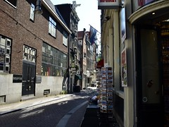 Amsterdam (Anna MaBa) Tags: amsterdam netherlands bulding architecture streets pretty canals canales blackandwhite