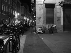 Trieste_133_1718 (Paolo Chiaromonte) Tags: olympus omdem5markii micro43 paolochiaromonte mzuikodigital17mm118 trieste friuliveneziagiulia italia bw biancoenero blackandwhite monochrome nightshot notturno nocturnes handheld people streetphotography girl lady italy zwartwit