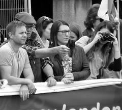 'Snap!' (SONICA Photography) Tags: eztd eztdphotography eztdphotos london londres londra londonimagenetwork londonist 2017 photos fotos londinium londonengland photosdelondres londonimages lin imagesoflondon april2017 england foto photograph photography eztdgroup linphotos eztdfotos inglaterra angleterre ingles image allabouttheimage marathon virginmoneylondonmarathon sonica imagessonica