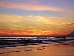 Puesta de sol (Antonio Chacon) Tags: andalucia atardecer marbella málaga mar mediterráneo costadelsol cielo españa spain sunset sol nubes nature naturaleza paisaje orilla agua puestadesol playa