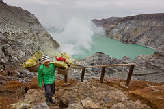 Kawah Ijen III (Jhaví) Tags: kawajijen java indonesia volcano azufre fumarola smoke water green nature explore travel asia southestasia