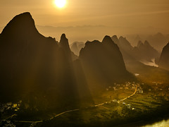 The light at Xiangtangshan. (Massetti Fabrizio) Tags: sunrise sunlight landscape landscapes iq180 phaseone rodenstock rural red mountain mount river sun green guangxi guilin guanxi fabriziomassetti famasse fabrizio forest