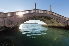 Vue sur l'ile San Giorgio 2 (Sylvain Abdoul Photographie) Tags: aro canon6d canonef1635f4lisusm chiesadisangiorgiomaggiore etoiles flickr pont riodelarsenal venise soleil vénétie italie
