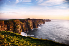 Cliffs of Moher - Sunset (Marta Marcato) Tags: sunset cliffsofmoher ireland irlanda sky clouds blue pink red grass rock cliff tramonto scogliere cielo nuvole blu rosa rosso colors colori erba rocce nikond7200