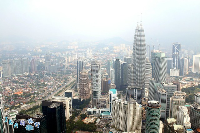 【馬來西亞旅遊❤吉隆坡一日遊景點】吉隆坡塔 KL Tower–全透明玻璃觀景台Sky Box天空之盒能讓吉隆坡市景在你的腳下呈現! @J&A的旅行