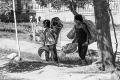 -c20170502_810_3707 (Erik Christensen242) Tags: rơkơi kontum vietnam vn laundry mother daughter street bw