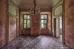 Villa Menta (Knee Bee) Tags: villamenta menta verde urbex abandonedvilla decay degrado abbandono abandoned