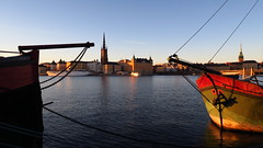 Ships! (mpersson60) Tags: sverige sweden stockholm sjö lake vatten water mälaren båtar boats solnedgång sunset
