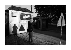 shooting against the light (Istvan Penzes) Tags: leicammonochromtyp246 penzes manualfocus rangefinder availablelight handheld bw black white bratislava slovakia leicasummicron35mmv1 street