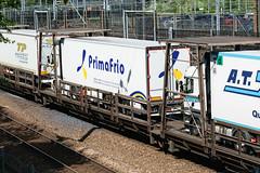 7004 Cheriton 100517 (Dan86401) Tags: eurotunnel europorte leshuttle channeltunnel hgvcarrier bredafiat wagon flat freightshuttle cheriton 7004 primafrio