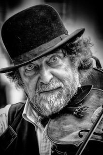 Fiddler on the street