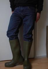 DUNLOP Purofort groen  026 (stevelman14) Tags: dunlop purofort groengroen laarzen schoon poseren indoor