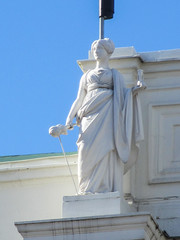 Female Olympian statue on Börsen, Gustav Adolfs torg, Gothenburg, Sweden (Paul McClure DC) Tags: gothenburg göteborg sweden sverige july2015 sculpture architecture historic