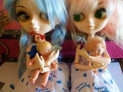 Two & two (JoséDay) Tags: tangkoudolls funwithdolls dolls toyintheframethursdaygroup itsasmallworld artdolls japan