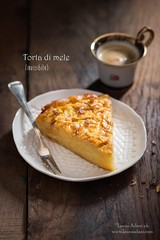 torta di mele (invisibile) (Laura Adani) Tags: apple applepie appletart bake cake cooking copyspace delicious dessert food foodanddrink gourmet nobody stilllife sweet vertical montignoso massa italia