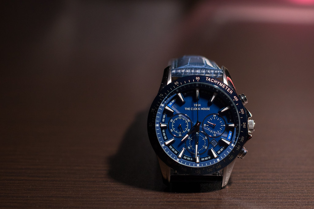 73fbb01bd7f0 The Watch (jasohill) Tags  blue product photohgraphy setup wrist basic  theclockhouse watch japan