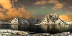 TemaFoto - Lofoten - Aurora--6 (Tor Magnus Anfinsen) Tags: lofoten norge norway hdr panorama winter snow mountain aurora northern light nordlys reinfjorden lilandstinden klokktinden olstinden fjord fjords reflection
