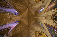 Catedral de Santa María la Real de Pamplona (neoBIT) Tags: apsechapel arches architecture basilica burial cathedral chevet colonnade decoration gothic interior landmark medieval monument pilgrimage relics ribvault shrine spanishgothic stainedglass veneration wife worship pamplona iruña navarra spain pamplonairuña
