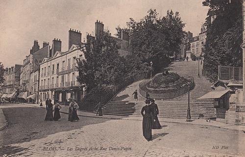 96. Blois. - Les Degrés et la Rue Denis-Papin (c.1905)