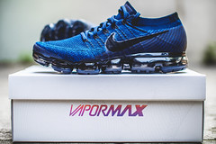 DSC00938 (someNERV) Tags: nike vapormax flyknit daytonight airmax sneakers packaging blue holographic sony alpha a6300 min minolta rokkorx zhongyi lensturboii adap adapted apsc portrait product street