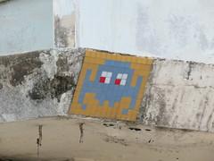 Space Invader BGK_28 (tofz4u) Tags: streetart artderue invader spaceinvader spaceinvaders mosaïque mosaic tile bangkok krungthep thailand thailande bgk28 blue bleu brown brun beige