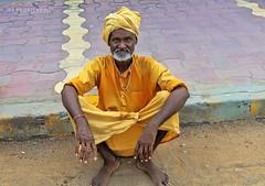 Kahurajo (rokobilbo) Tags: khajuraho india man people color customs street travel life