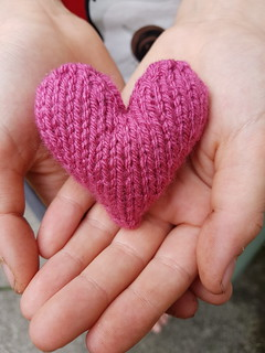 Knitting hearts for Manchester #aheart4mcr