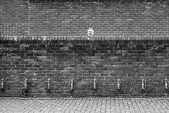 Peek a boo (phil anker) Tags: street people minimalist photingo fujix70 salisbury